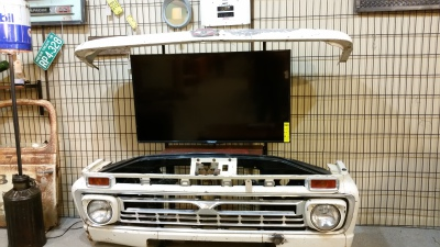 CLASSIC CAR AND TRUCK TV STANDS