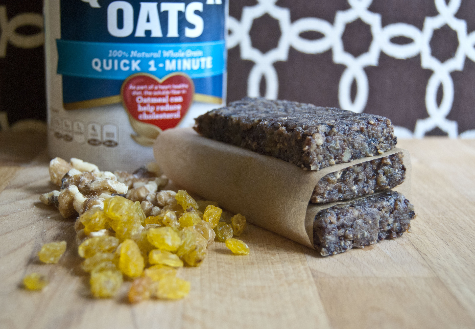 Oatmeal Cookie Energy Bars