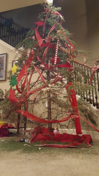"'Oh, Christmas Tree!  Oh, Christmas Tree!"""