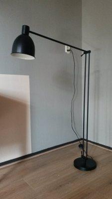 Metal Stand Lamp
