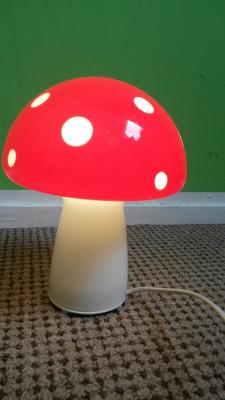 Mushroom table lamp for kids in Strekovacek