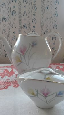 Eschenbach porcelain teapot 1950's