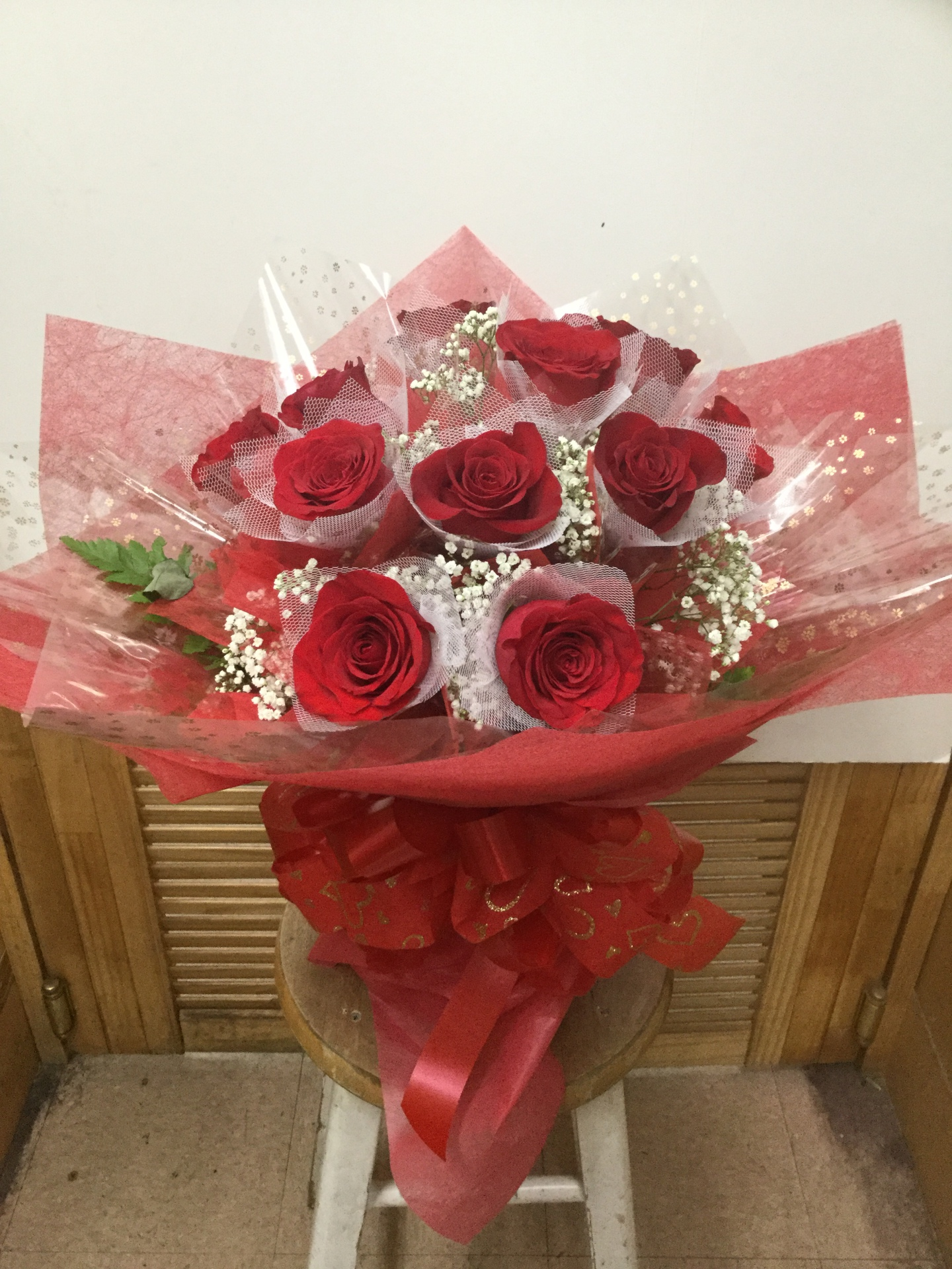 One Dozen Red Roses - All-Around HK Wrap