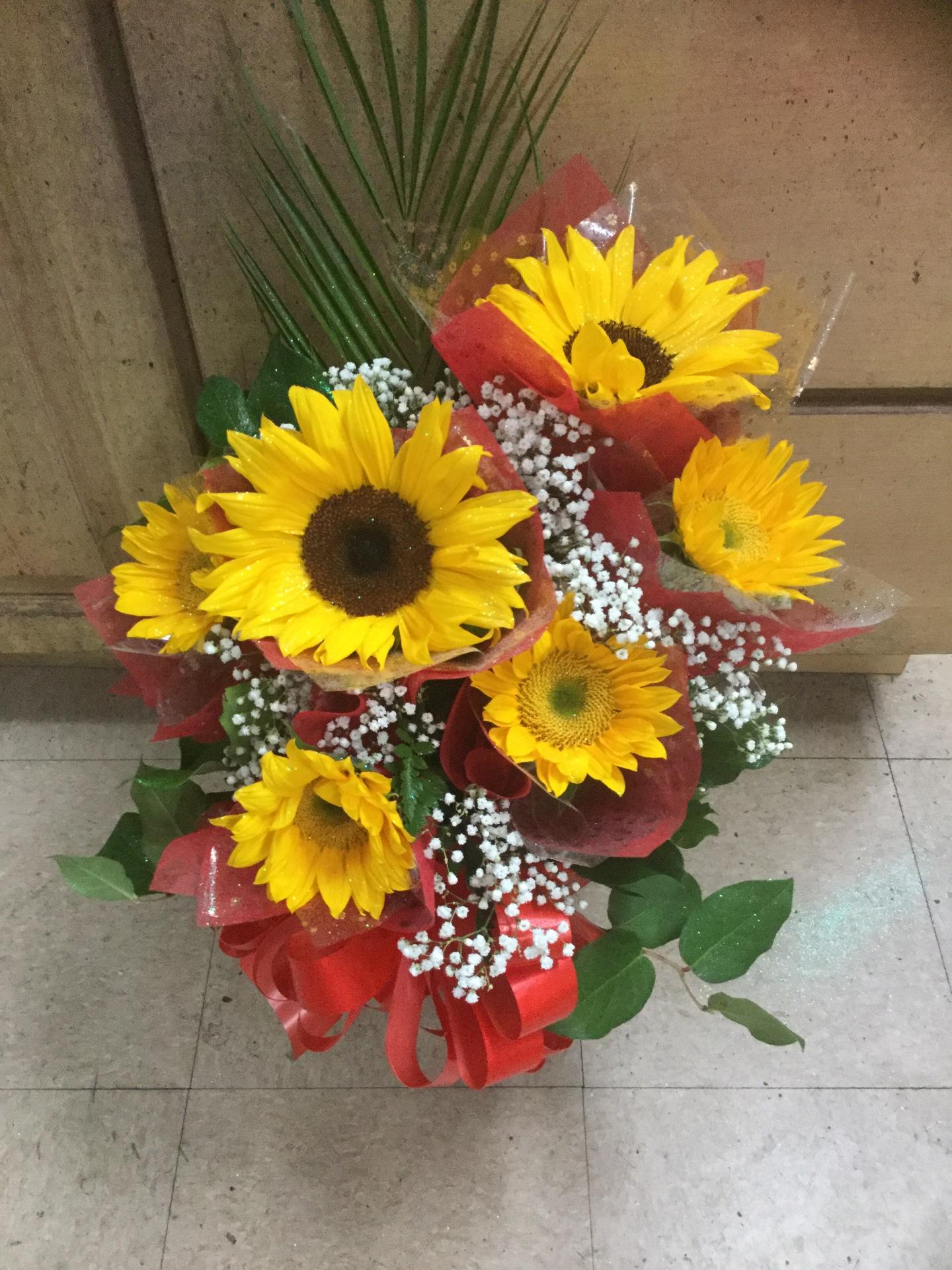 Half Dozen Sunflowers W/ Vase Arrangement