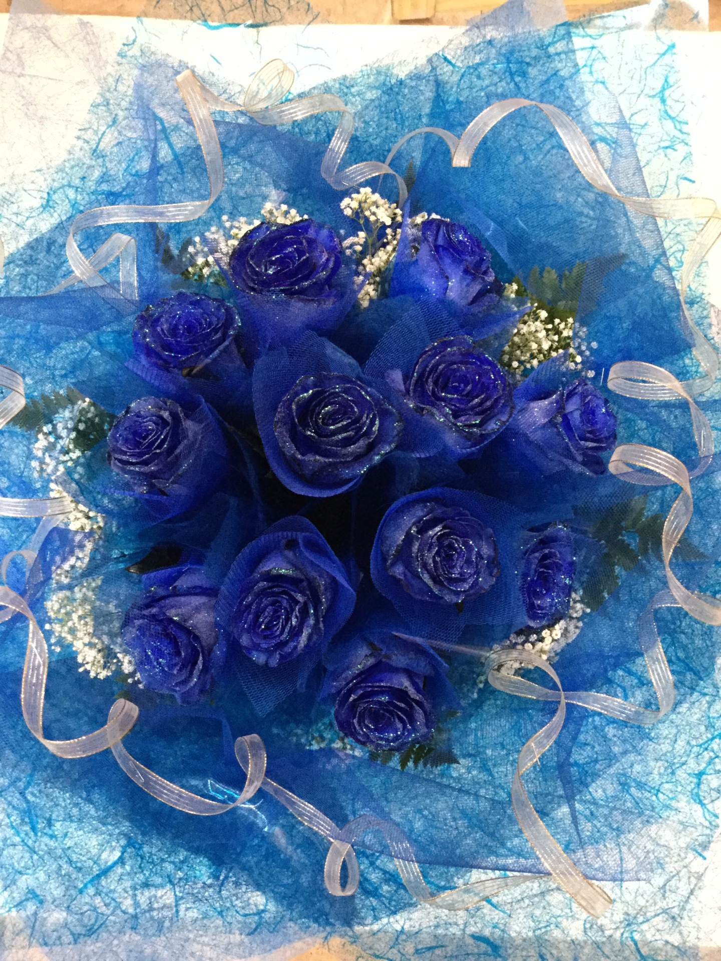 One Dozen Blue Roses - All Around HK Wrap