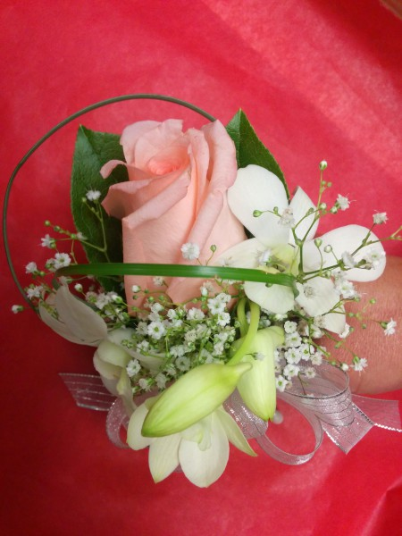 Single Rose W/ Dendrobium Orchid Corsage/Boutonniere