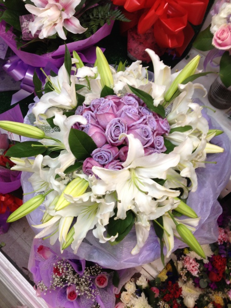 One Dozen Lavender Roses W/ Lilies - All-Around HK Wrap