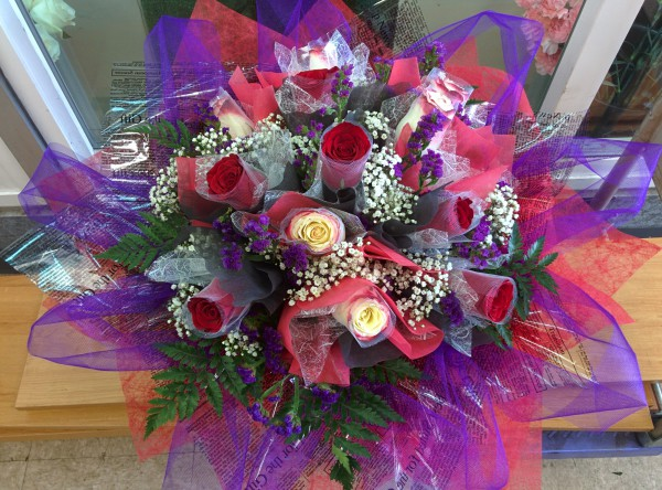 One Dozen Roses - Round HK Bouquet