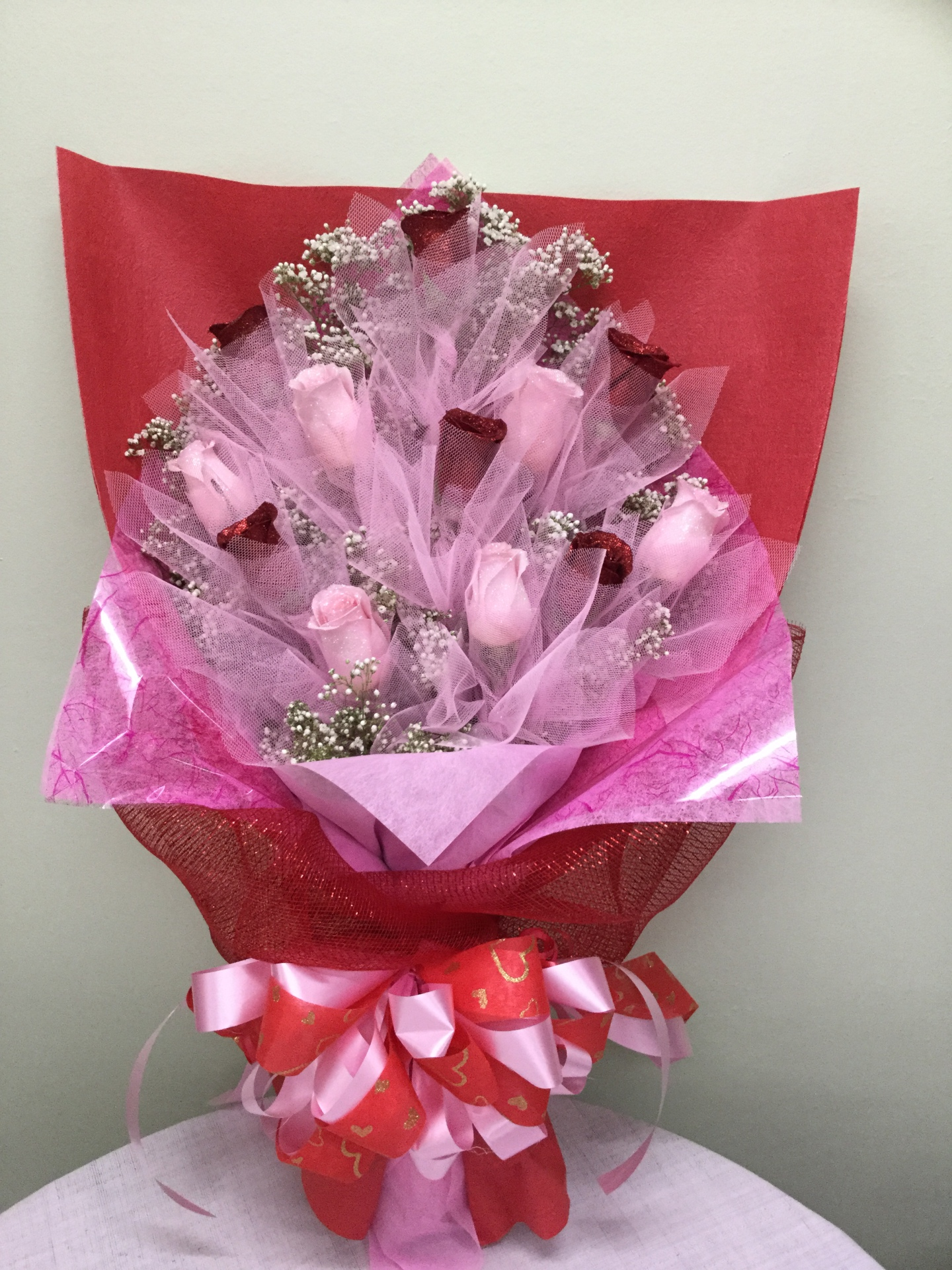 One Dozen Roses - Flat HK Wrap Bouquet