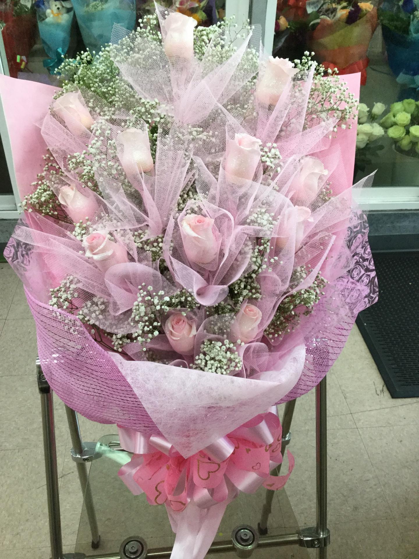 One Dozen Pink Roses - HK Flat Wrap