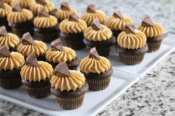 Mini Peanut-butter Cupcakes