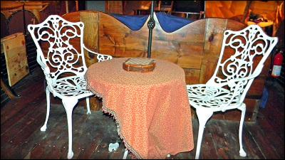Odin's Loft - Table