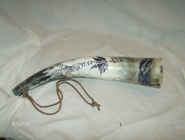 MN Viking Blowing Horn