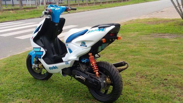 Yamaha Aerox 05