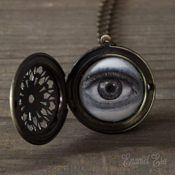 eye locket