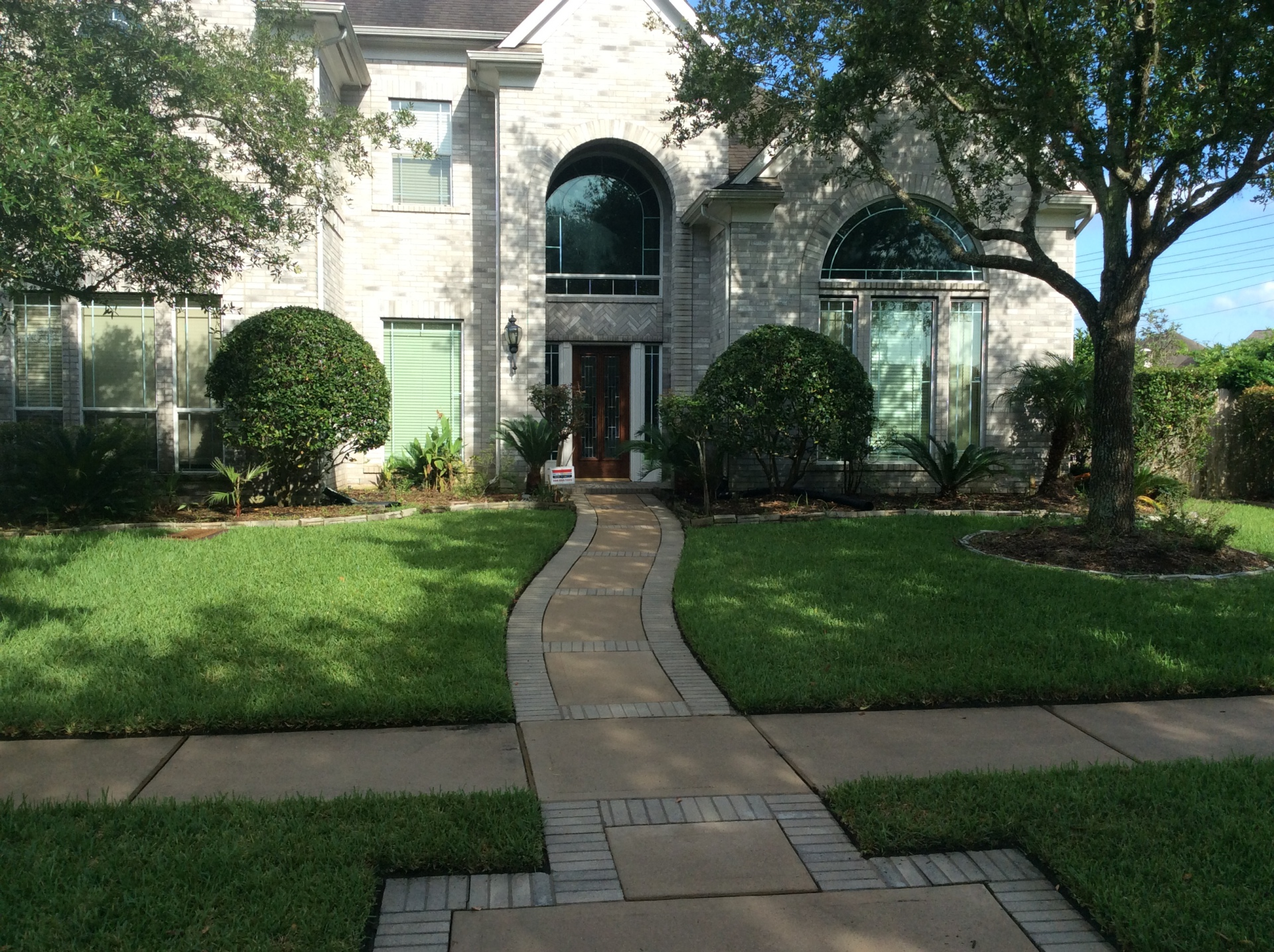 Residental pressure washing services in pearland texas