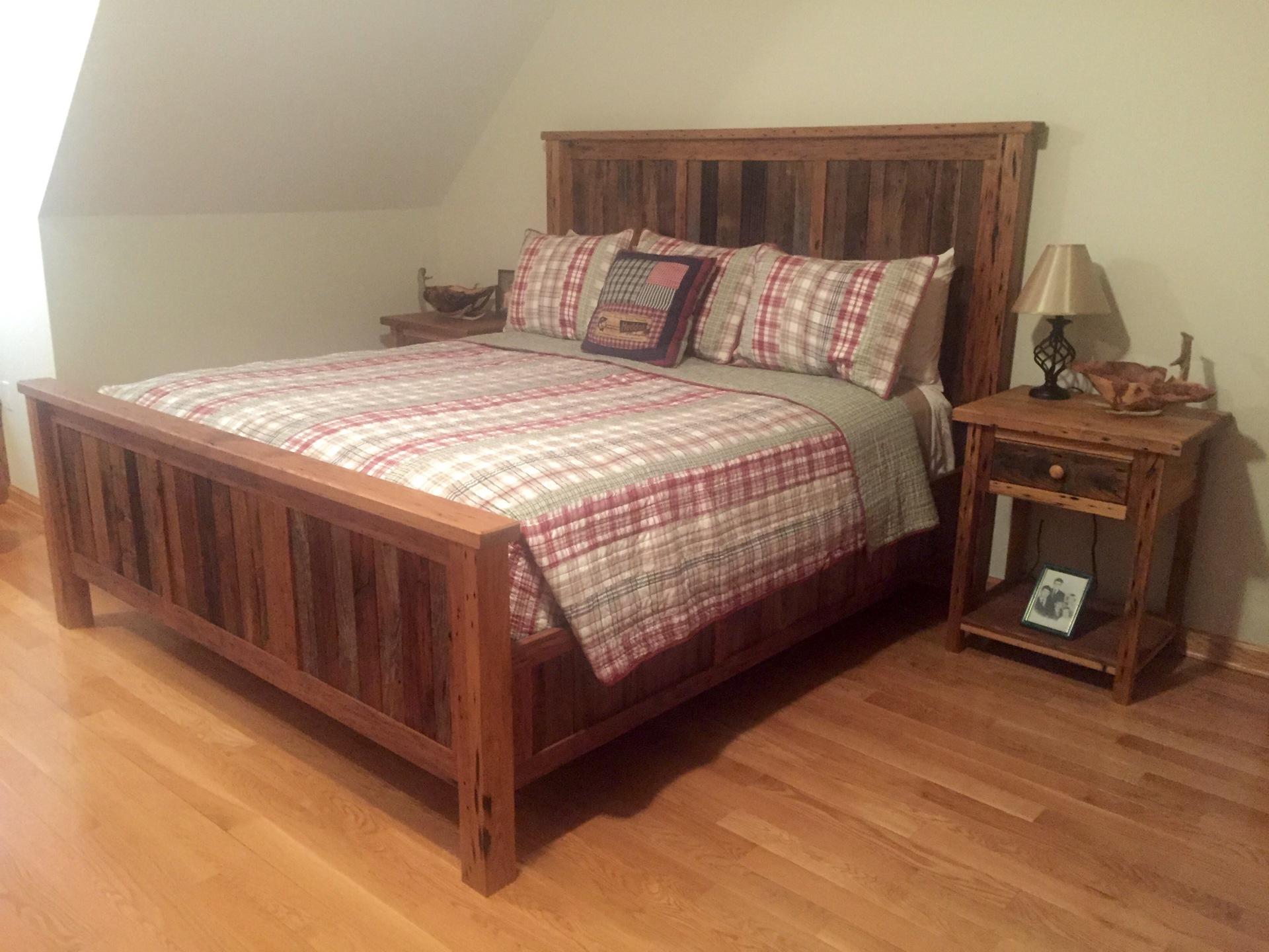 Reclaimed Chestnut Bed- King