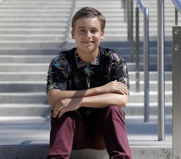 15세 소년이 UC Berkeley 3학년으로 입학한 비결은? How 15-year-old 'hacked' his way into UC Berkeley
