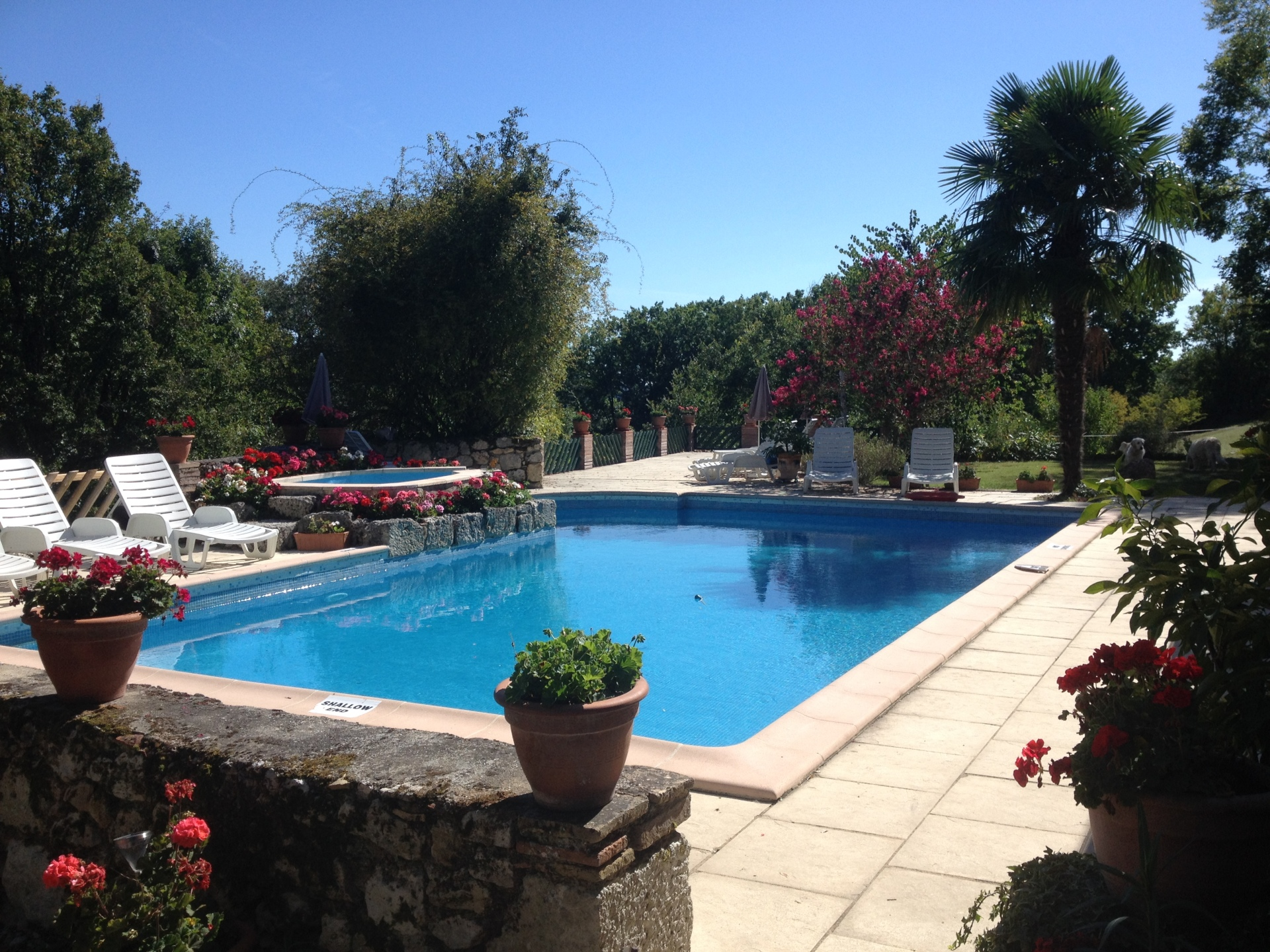 Faysselle Holiday Cottages Swimming Pool