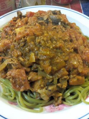 Spaghetti spinach pasta noodles