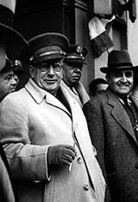 Fotografía de general Ubico junto con su mano derecha, Roderico Anzueto.