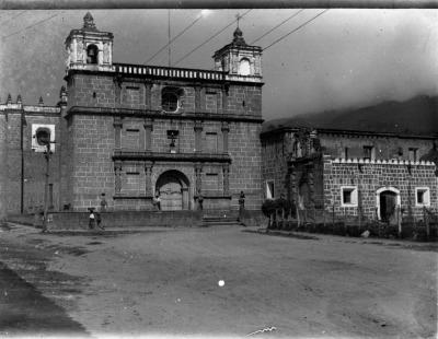 Antigua iglesia de la Escuela de Cristo en Antigua Guatemala, convertida en Parroqui de Los Remedios
