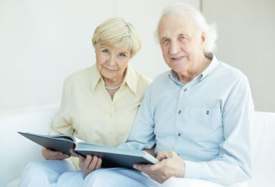 Couple reading information about our pressure care products