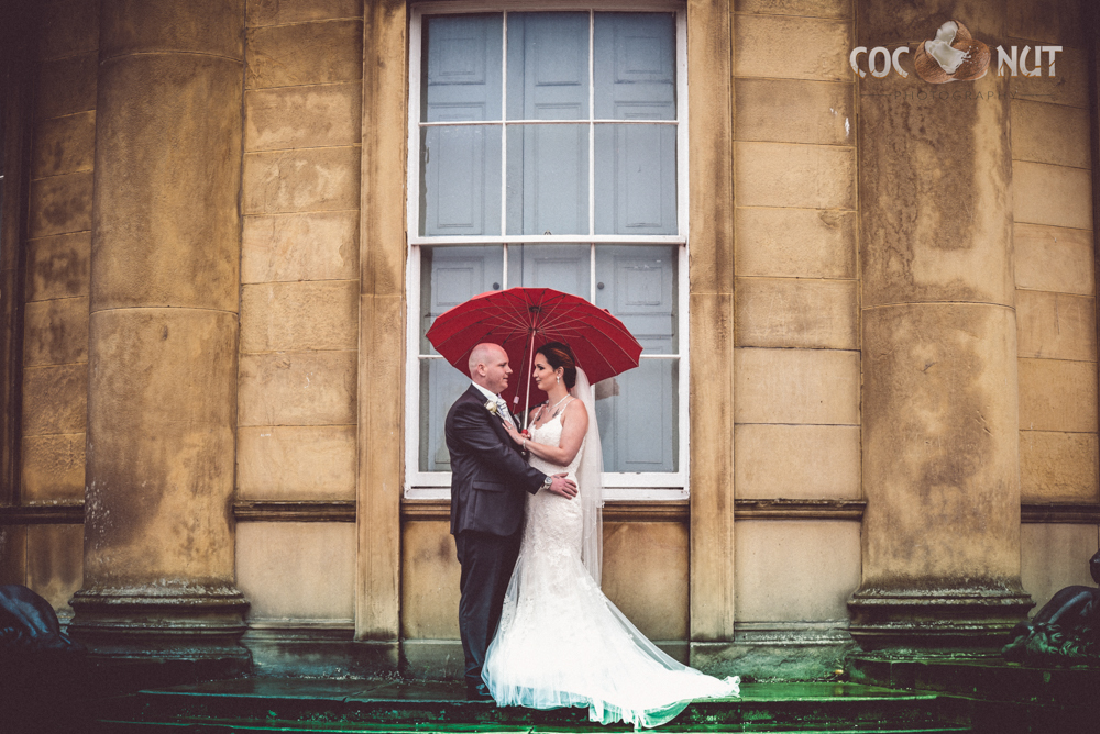 17 Wedding Photos you NEED TO CAPTURE!