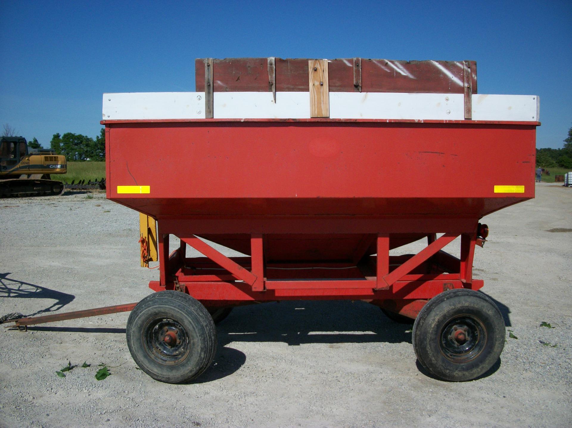 J&M 250 Bushel Hopper Wagon     $1,600