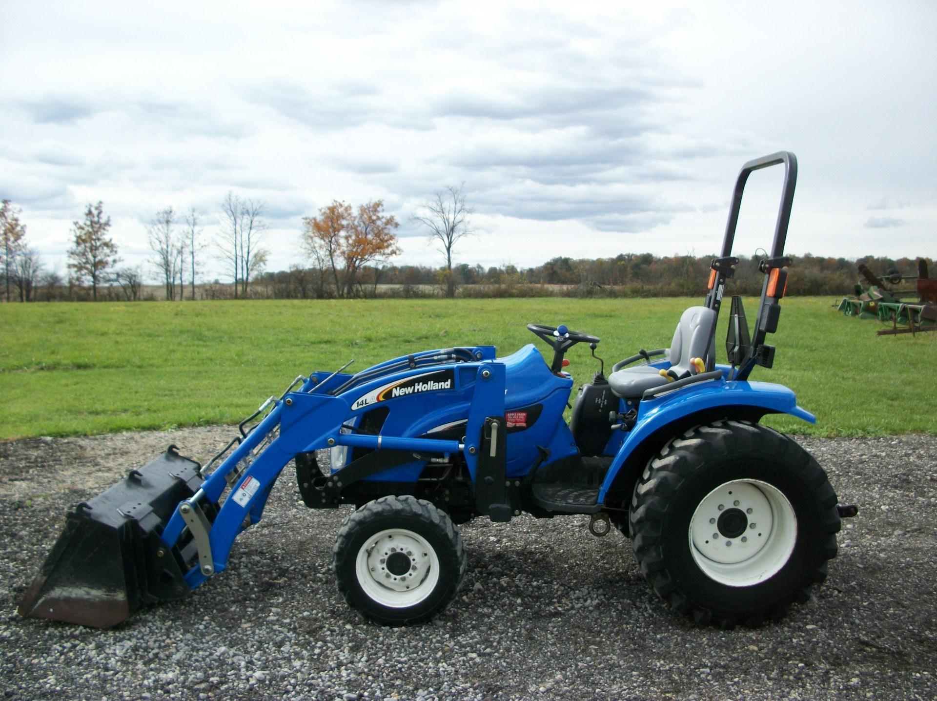 2004 New Holland TC33DA    $13,900