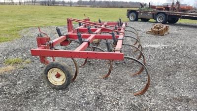 International 5500 Chisel Plow     $1,750
