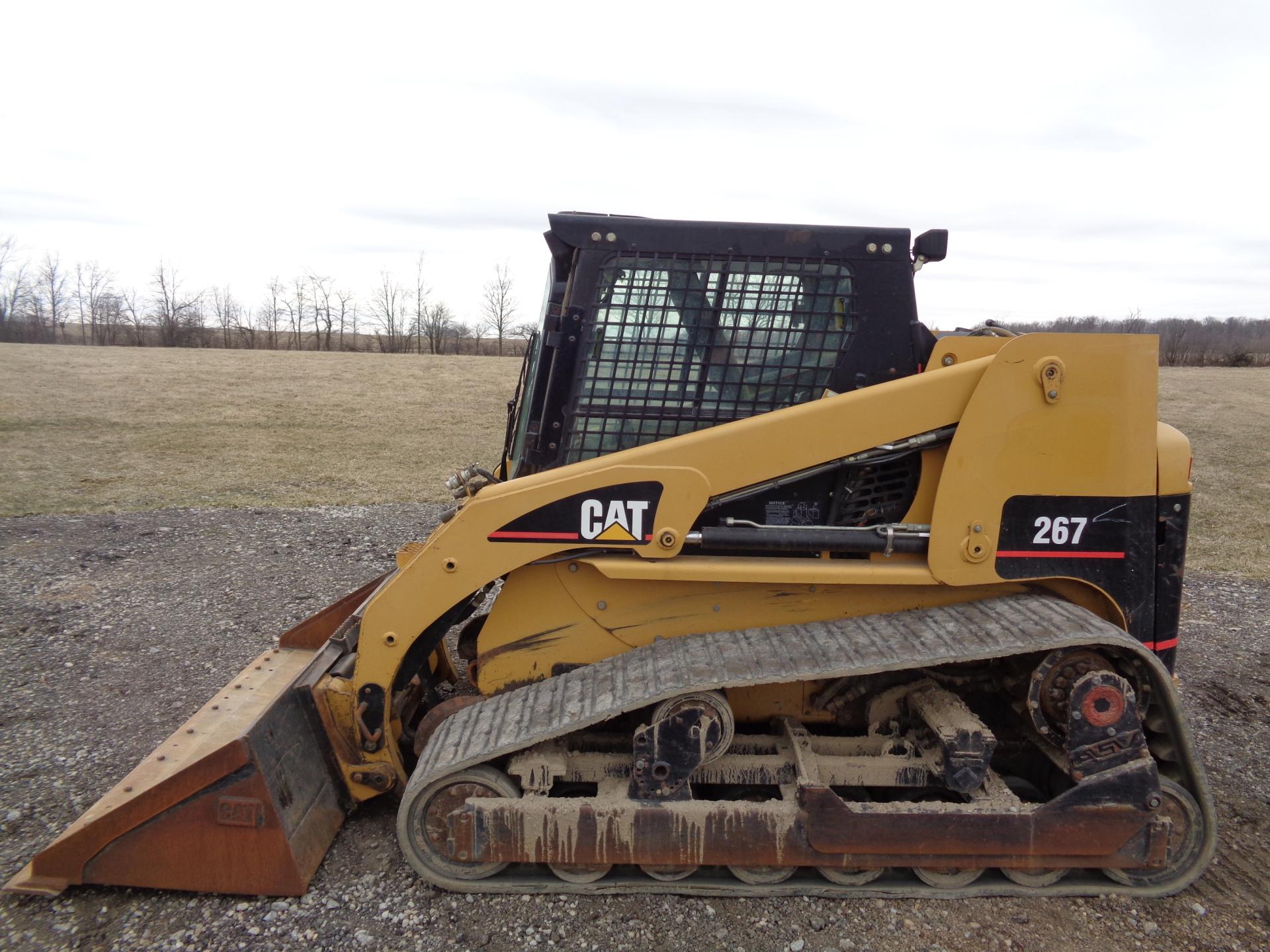 2001 CAT 267     $21,900