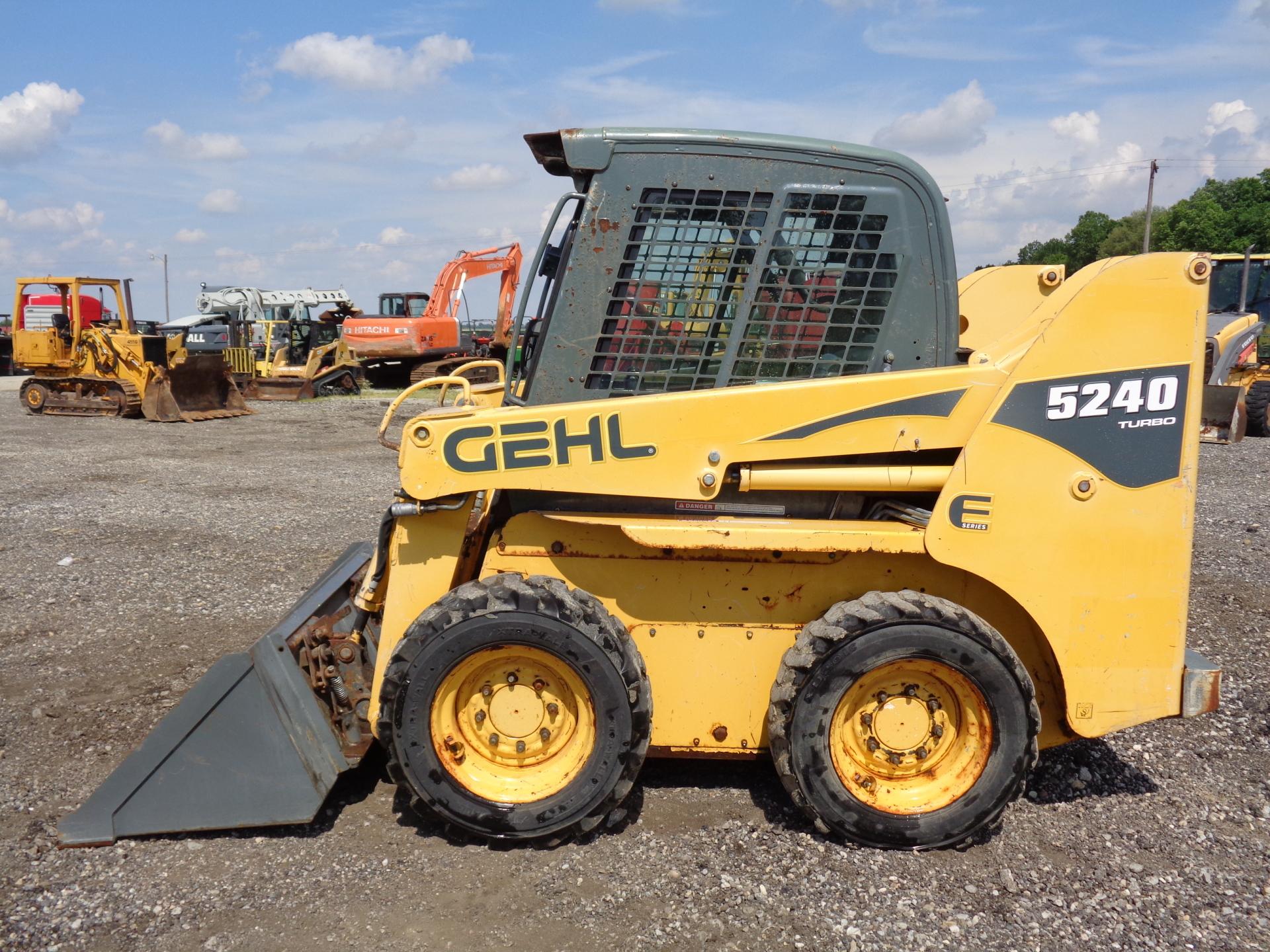 2009 Gehl 5240E     $16,900