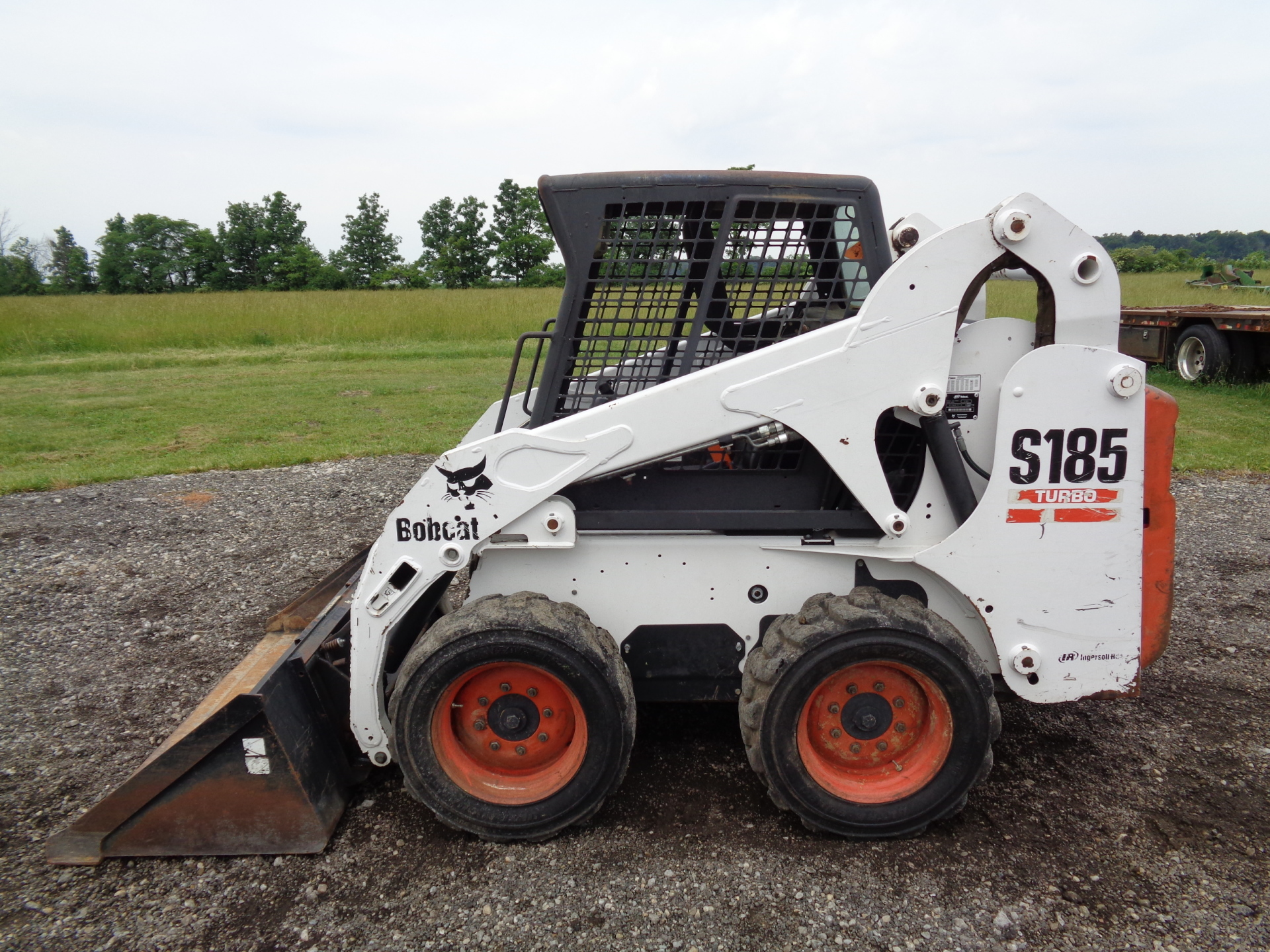 2004 Bobcat S185    $17,900