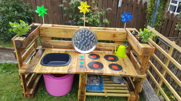 mud kitchen!