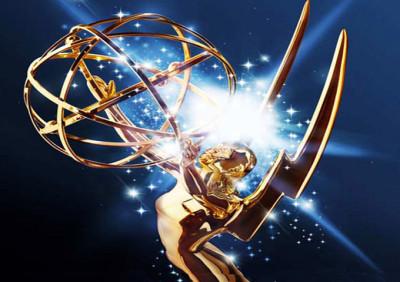 Live tweeting the Emmy Awards...drunk.