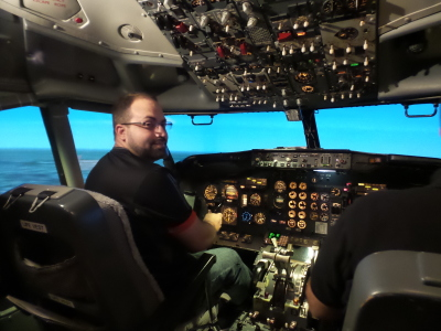 Guy creates a flight simulator in his spare bedroom