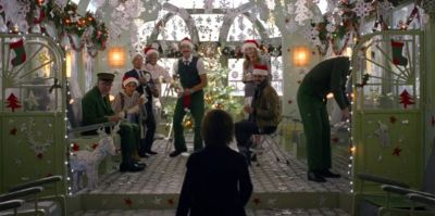 Wes Anderson creates adorable short film ad for H&M