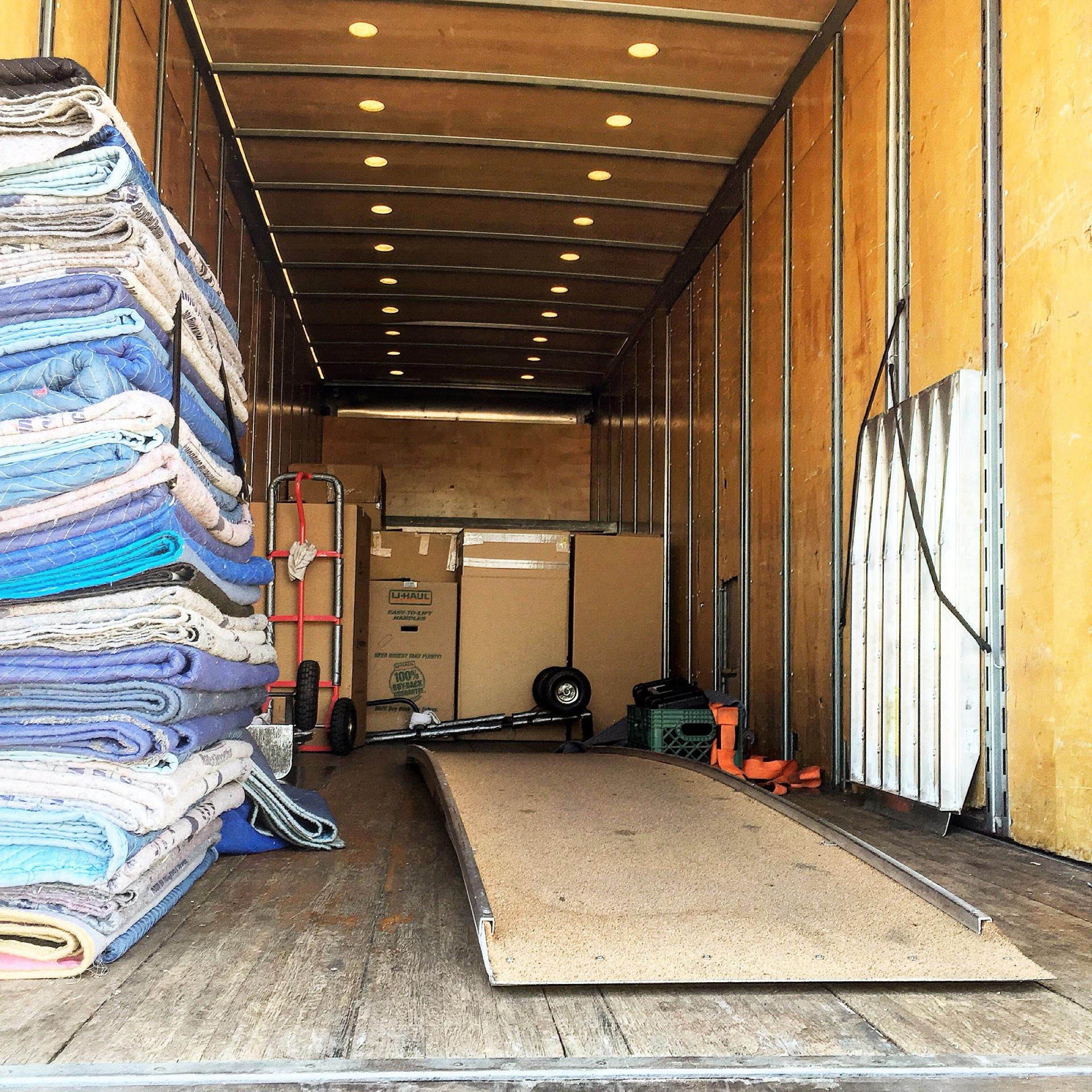 26ft Moving Trucks