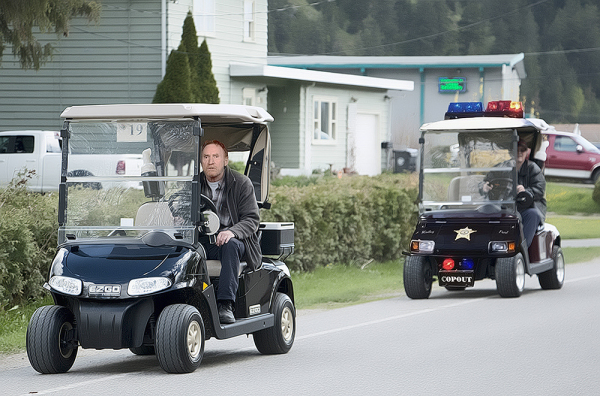 Danny Bonaduce Leads Police on Low Speed Golf Cart Chase!