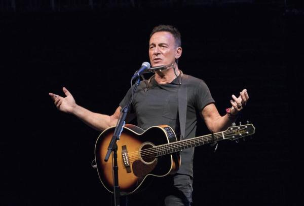 Springsteen: 'Wrapped up Like a Douche' are the Real Lyrics!