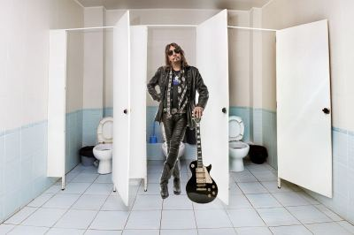 Ace Frehley Will Clean Your Toilet for $7000!