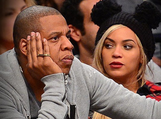 Jay Z & Beyonce Pay Off Layaway Bills at Dollar Store!