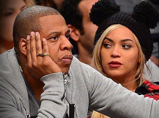 Jay Z & Beyonce Pay Off Layaway Bills at Dollar Store!