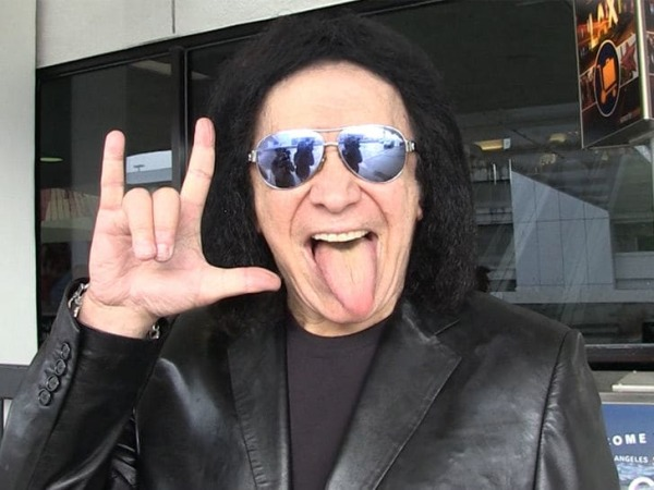 Gene Simmons Will Let You Smell His Fingers For $50.