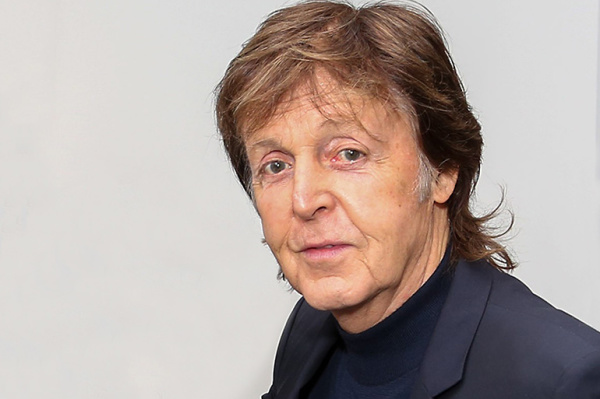 Paul McCartney Catches Burglars in Bear Trap!