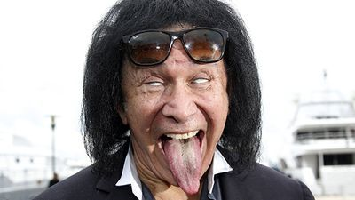 """Gene Simmons: """"Ace Frehley Grabbed Me By The Organ!"""""""