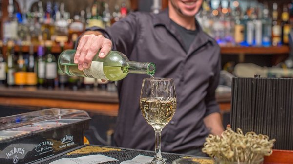 DOES THE BAR TRADE NEED MORE WINE KNOWLEDGE?
