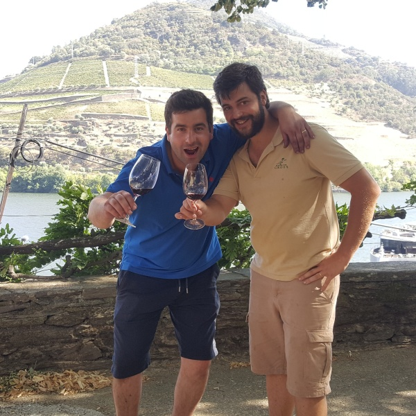 DIRTY FEET IN THE DOURO