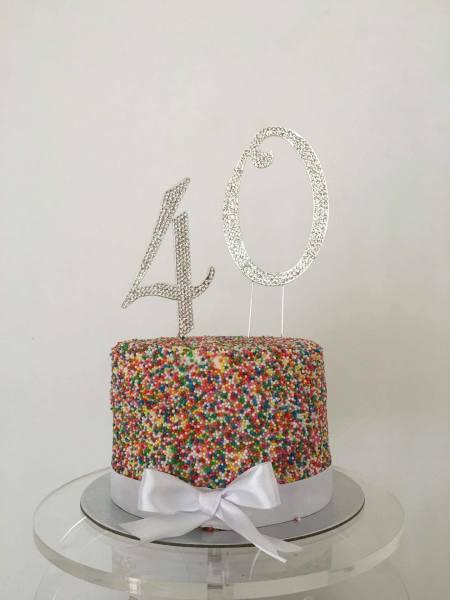 100's & 1000's Cake